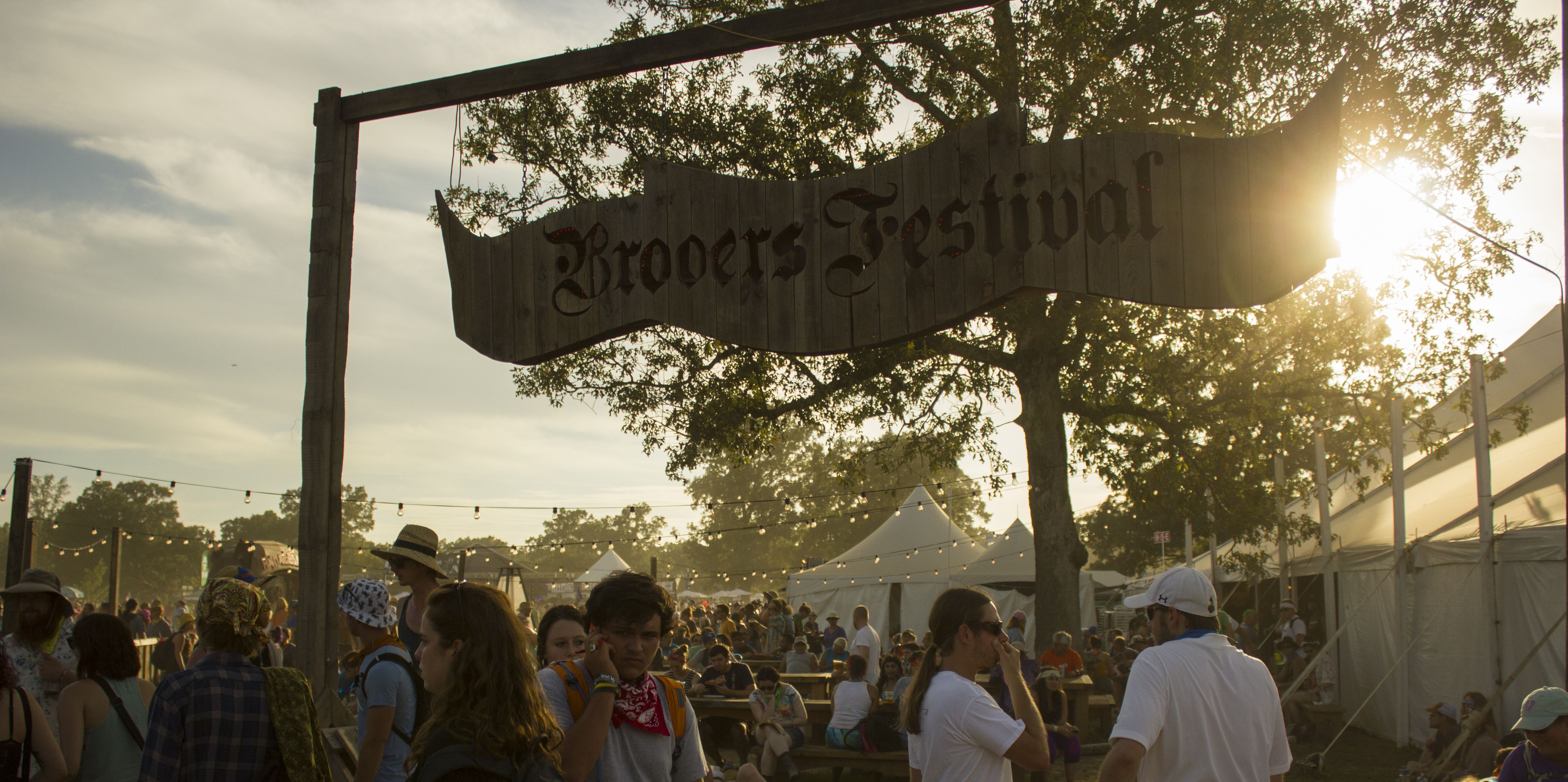 Beer tent at Bonnaroo 2015. Photo by: Matthew McGuire