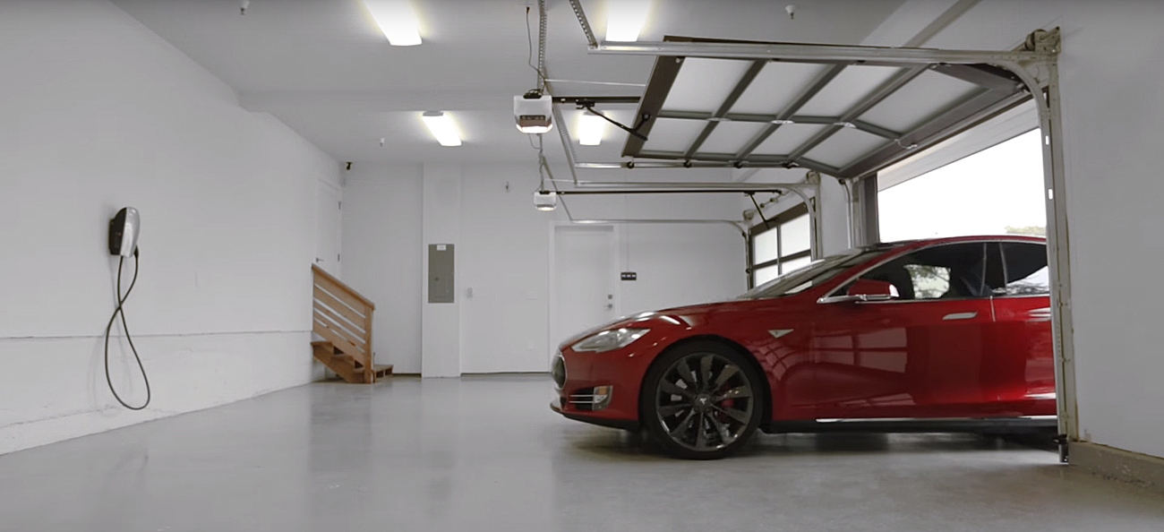 Tesla Motors. Photo by: Tesla Motors / YouTube