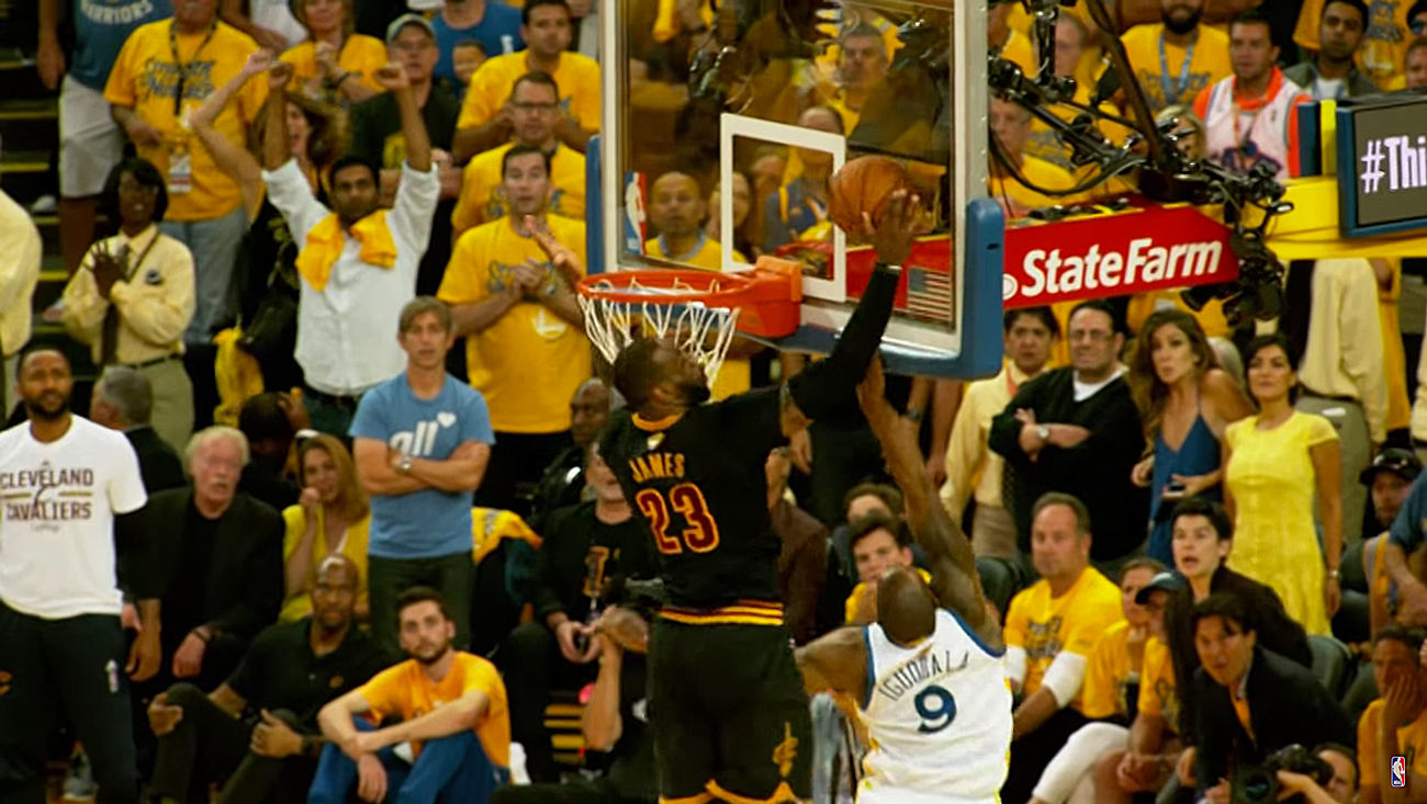 Cleveland Cavaliers defeated the Golden State Warriors 93-89 in Game 7. Lebron James makes a key block in the game. Photo: NBA / YouTube