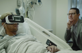 Virtual reality being used in a hospital. Photo by: Bloomberg / YouTube