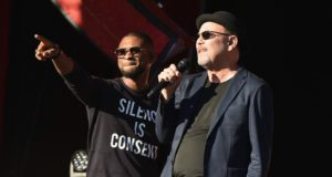 New York, NY - September 24: Singers Usher and Ruben Blades perform onstage at the 2016 Global Citizen Festival In Central Park To End Extreme Poverty By 2030 at Central Park on September 24, 2016 in New York City. (Photo by Theo Wargo/Getty Images for Global Citizen)