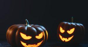 Halloween jack-o'-lanterns. Photo by: pexels.com