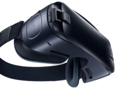 Samsung Gear VR. Photo by: Samsung Newsroom