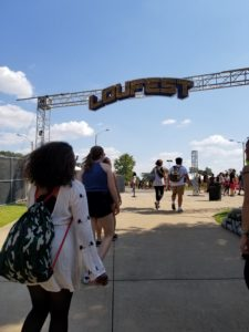 Guests Guests walking in for day 1 at LouFest 2017 in downtown St. Louis. Photo by: Matthew McGuirewalking in for day 1 at LouFest 2017 in downtown St. Louis. Photo by: Matthew McGuire(0)