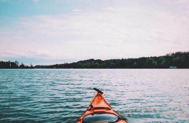 Kayaking in virtual reality. Photo by: Jaymantri / YouTube