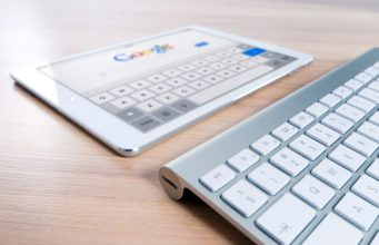 Google search engine on a tablet. Photo by: Pexels.com
