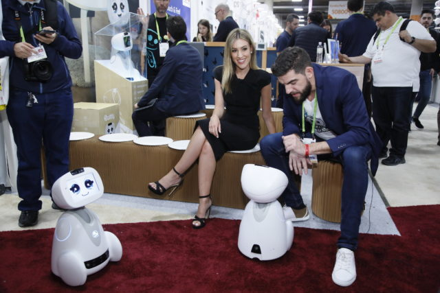 A product demo featuring two robots at an LG area during CES 2018. Photo provided.